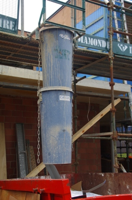/sites/diamondhirecomau//assets/public/image/ProductListing/Rubbish chute main.JPG